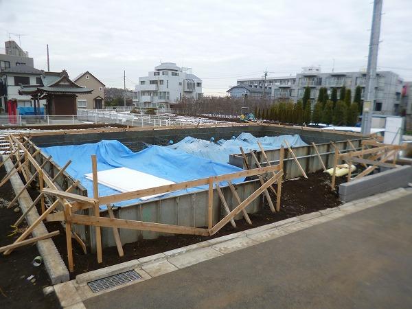 川崎市 高津区 下作延 新築 3階建て 木造 準防火 サッシ